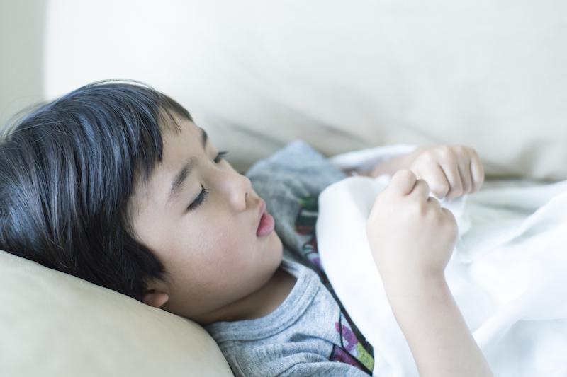 東京都が警報を発令!流行が広がる「りんご病」の症状と対処法まとめ